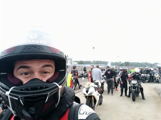 [EXPERIENCE] Roulage S1000RR  au Nurburgring avec METZELER : pluie pluie pluie !!! Mais incroyable !!! Img_1142