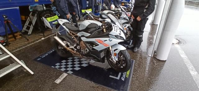 [EXPERIENCE] Roulage S1000RR  au Nurburgring avec METZELER : pluie pluie pluie !!! Mais incroyable !!! Img_1157
