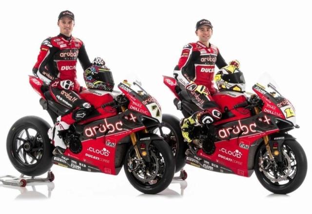 "[WSBK]Présentation de la Ducati Panigale V4 R ""Aruba.it Racing""  Img_2062"