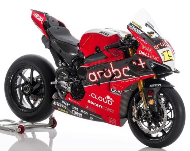 "[WSBK]Présentation de la Ducati Panigale V4 R ""Aruba.it Racing""  Img_2063"