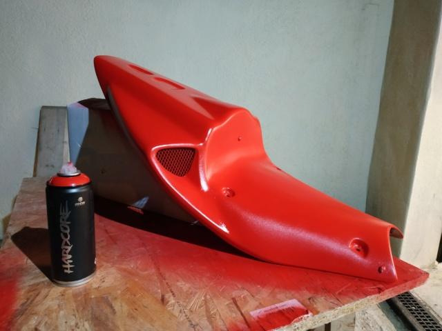 [TUTO REDMAN] Aérosol Montana pour peinture complète sur carénage Polyester brut Img_2080