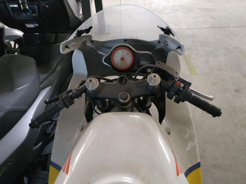 Motopiste.net en visite chez BMC-Moto et... Surprise !!! Img_2272