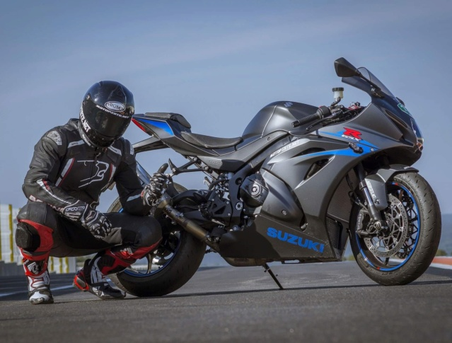 La SUZUKI GSXR1000 15 jours à l'essai sur Motopiste.net !!! Img_2396