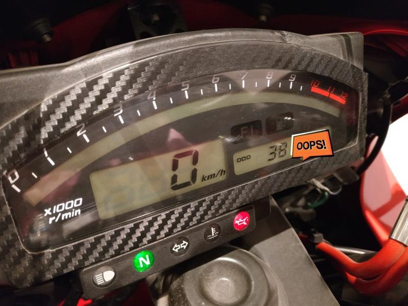 Jeu Concours Motopiste : 14 ans ça se fête ! 1 paire de couv' à gagner ! Img_2494