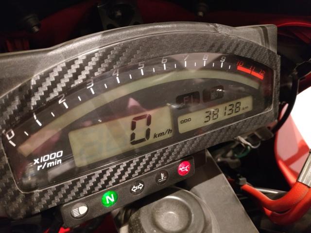 Jeu Concours Motopiste : 14 ans ça se fête ! 1 paire de couv' à gagner ! - Page 2 Img_2522