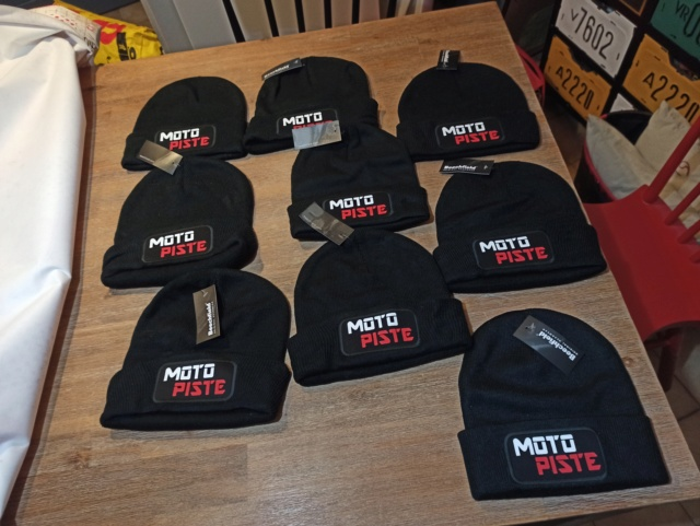 Bonnets Motopiste : DISPO ! Img_2610