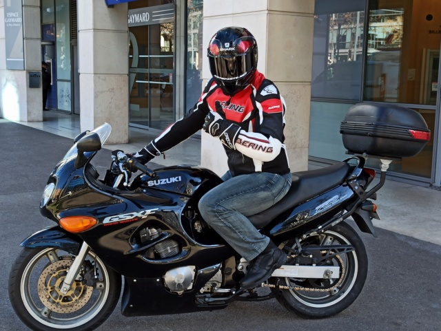 En attendant ma prochaine pistarde... Voici ma moto 2020 !  Présentation GSXF750 Img_2612