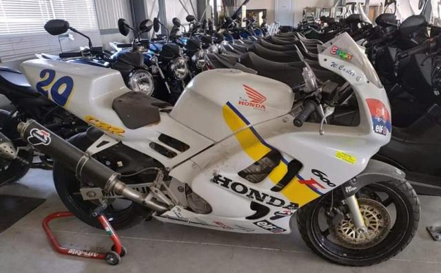 Acheter une moto full équipée d'origine ou l'équiper soi même  - Page 2 Img_2664