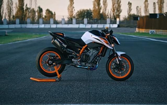 Présentation de la KTM DUKE 890 R sur Youtube Mardi 31 Mars 17h00 Img_2667