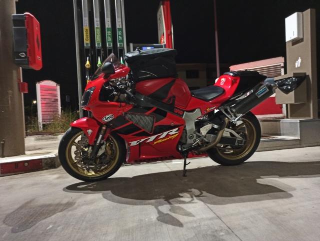 Prendre sa moto pour aller bosser... Img_2729