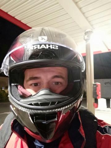 Prendre sa moto pour aller bosser... Img_2730