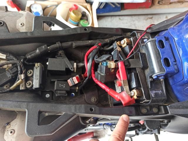 Créer un point de fixation sur la boucle arrière pour le montage d'une coque arrière (R1) Img_2766