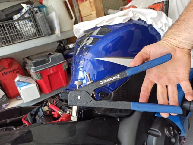 Créer un point de fixation sur la boucle arrière pour le montage d'une coque arrière (R1) Img_2769