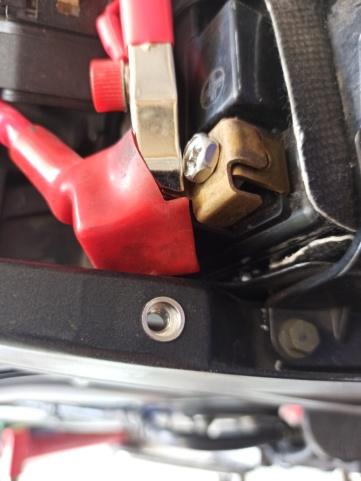 Créer un point de fixation sur la boucle arrière pour le montage d'une coque arrière (R1) Img_2770
