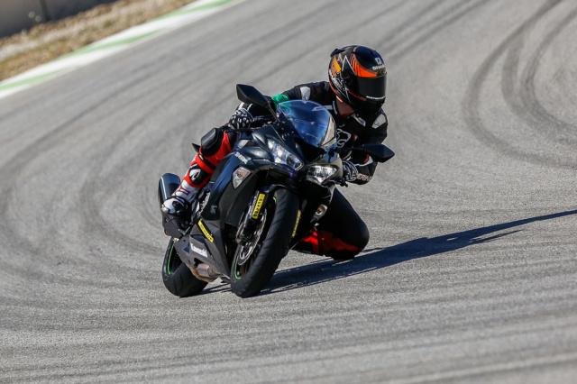 Présentation du Nouveau Dunlop SPORTSMART MK3 en ESPAGNE : Motopiste y était ! Ina99610