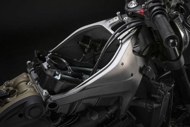 Nouvelle Ducati Monster...2021 S1-duc10