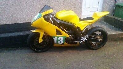 SV 650 piste - Style moto2 Suzuki15