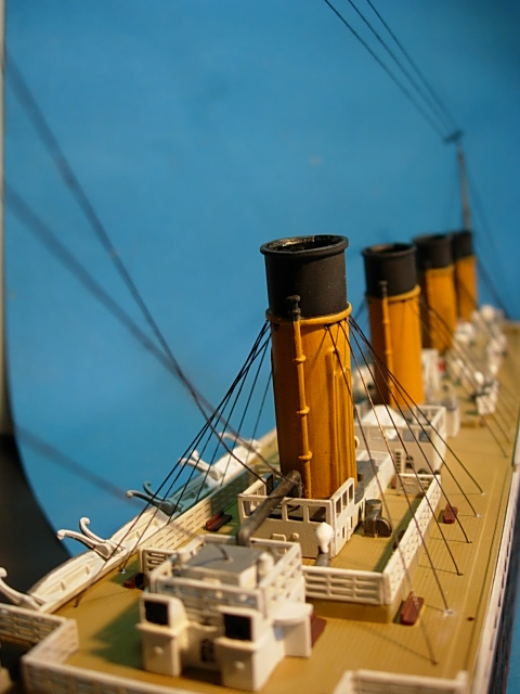 Titanic 1/400 Revell - Page 2 00614