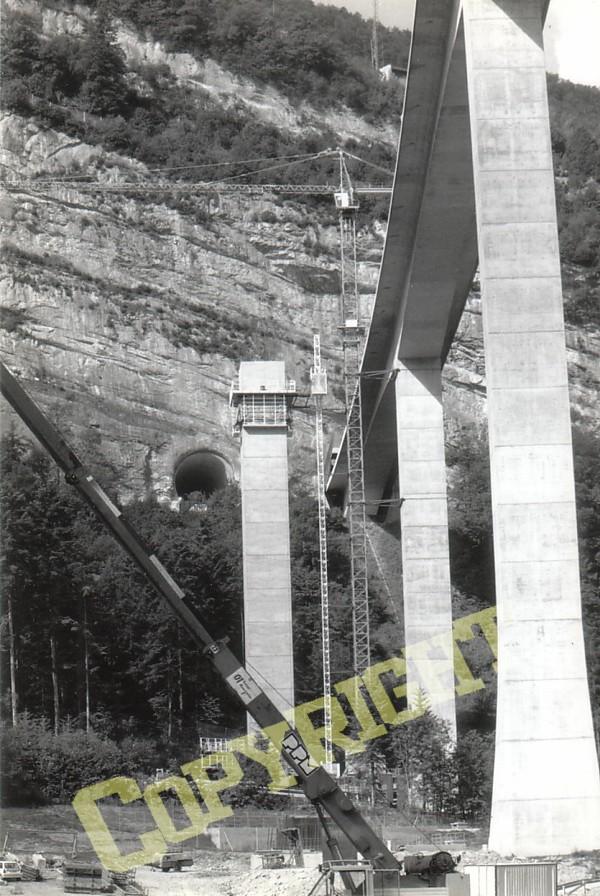 images d'archives , construction du viaduc n°2 de nantua Constr11