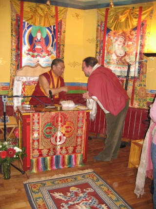 Evenement: Visite de Ringu Tulku Rinpoche du 31/03 au 02/04 à Samye Dzong Rinpoc12