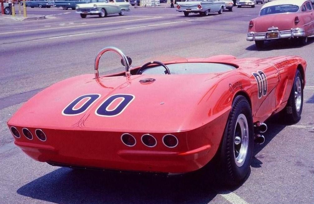 Corvette 62 scca Dave Mc Donald terminée Behold10
