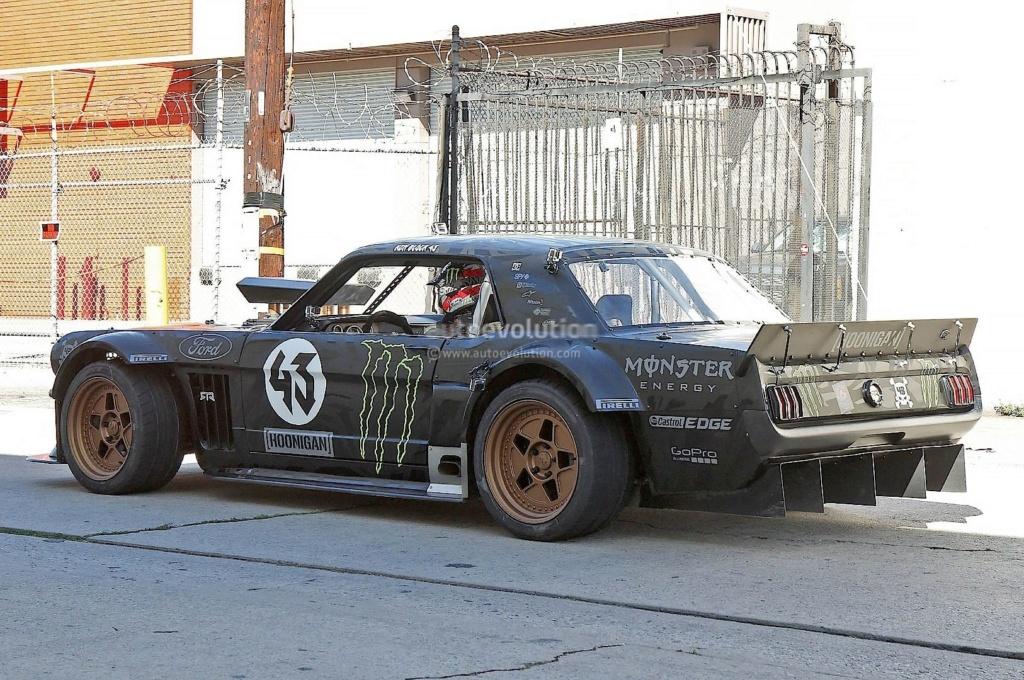 Projet 2eme Mustang gt 350 version racing fictive terminée F55c6b10
