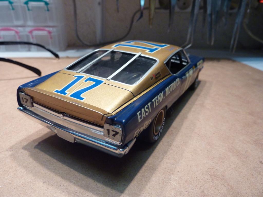Restauration Ford torino cobra 68 nascar terminée P1470316