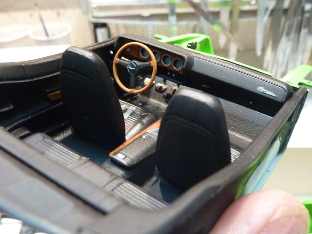 Plymouth Hemi Cuda 70 revell terminée P1470720