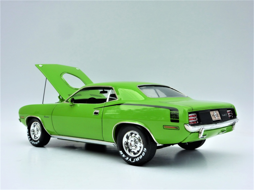 Plymouth Hemi Cuda 70 revell terminée - Page 2 Photo572