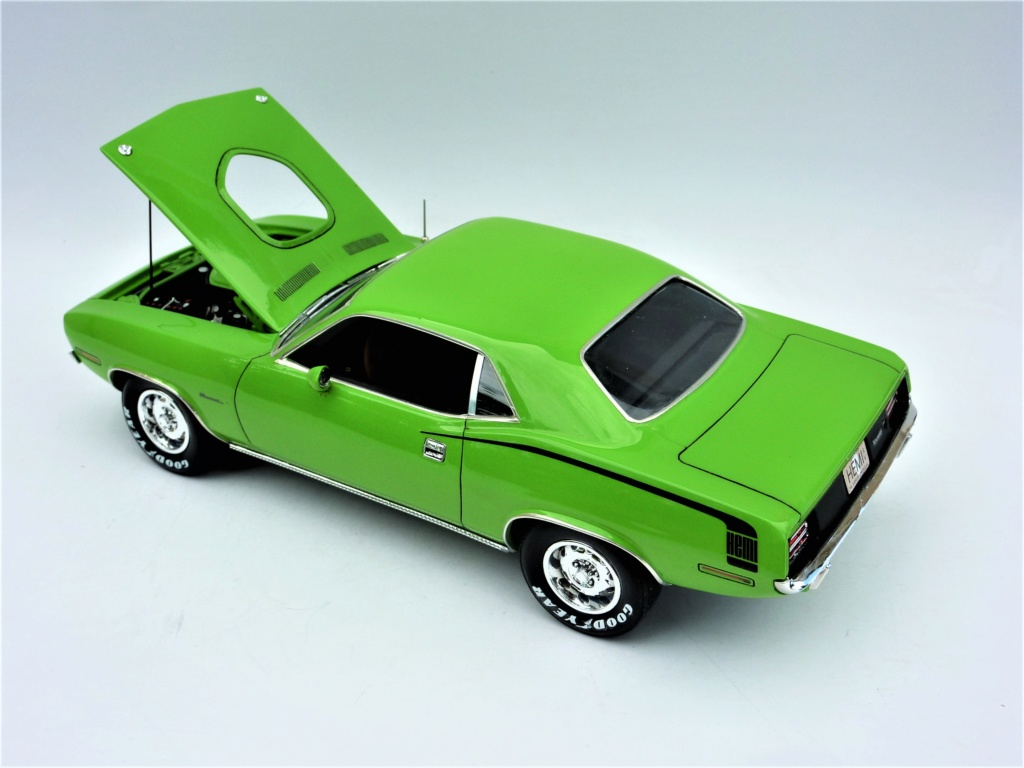 Plymouth Hemi Cuda 70 revell terminée - Page 2 Photo576