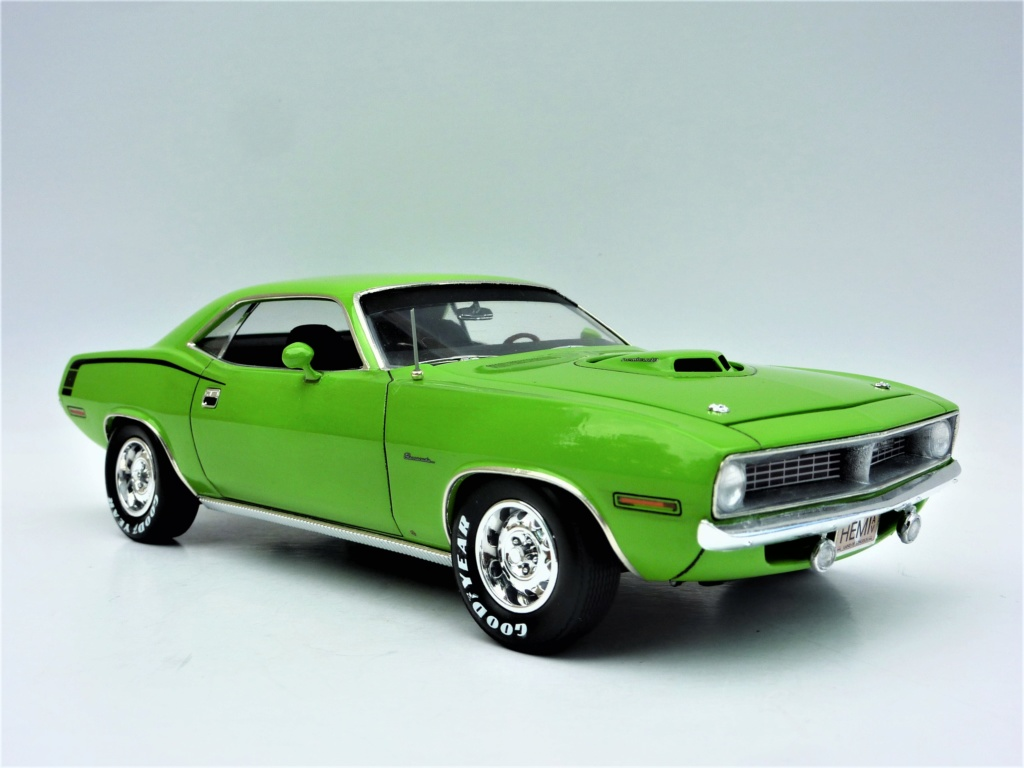 Plymouth Hemi Cuda 70 revell terminée - Page 2 Photo578