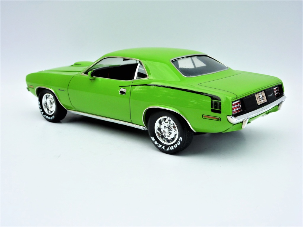 Plymouth Hemi Cuda 70 revell terminée - Page 2 Photo580
