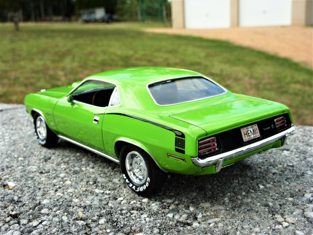 Plymouth Hemi Cuda 70 revell terminée - Page 2 Photo583