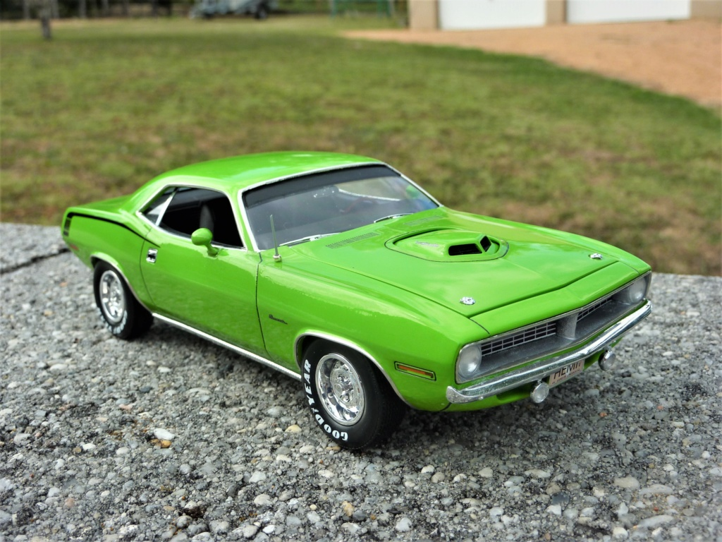 Plymouth Hemi Cuda 70 revell terminée - Page 2 Photo586
