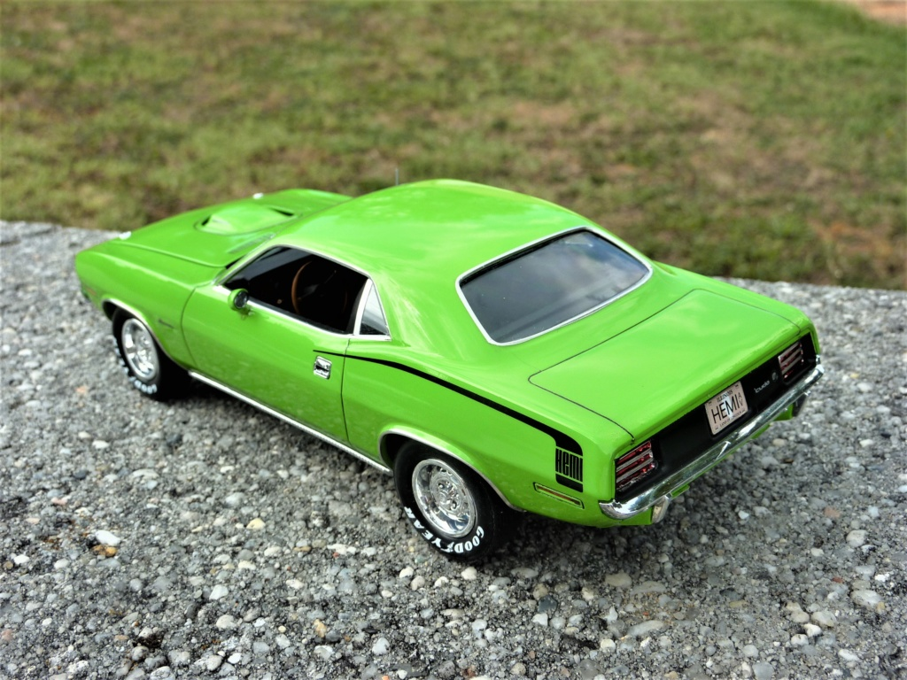Plymouth Hemi Cuda 70 revell terminée - Page 2 Photo587