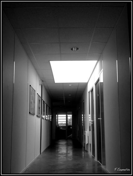 Au bout du couloir Le-cou10