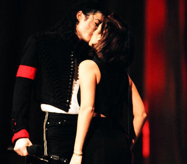 MICHAEL Y LISA MARIE Michae17