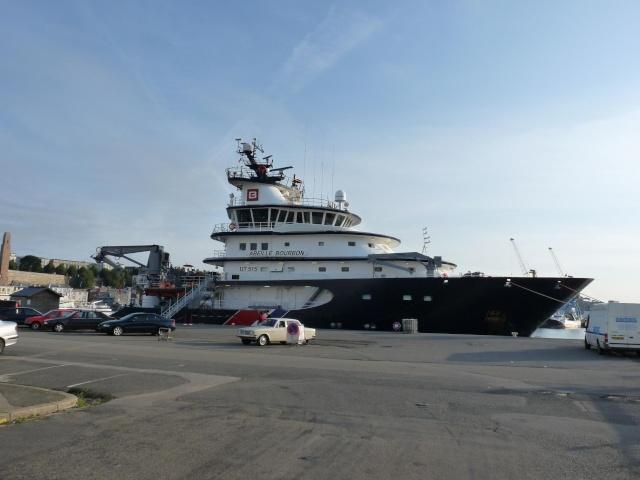 [Les ports militaires de métropole] Port de Brest - TOME 1 - Page 3 610