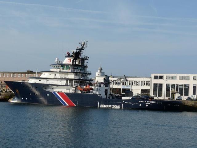 [Les ports militaires de métropole] Port de Brest - Page 3 910