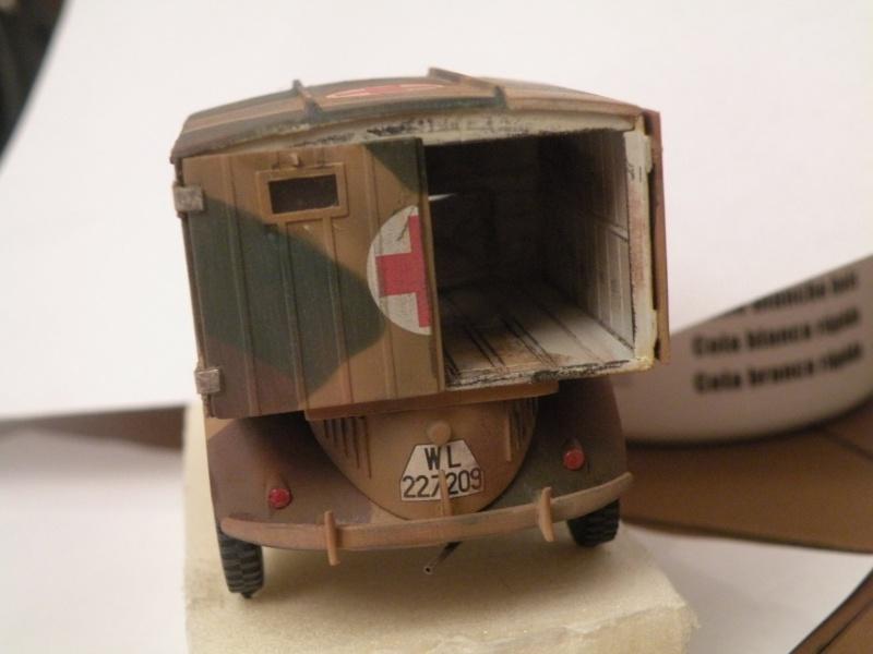 """GB"""" Les véhicules sanitaires"""" Dscn3219"""