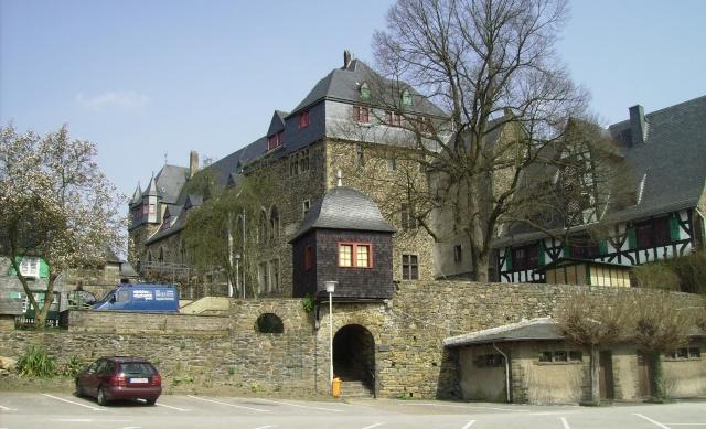Fruehlingsspaziergang-Schloss Burg an der Wupper. Sb1510