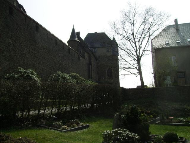 Fruehlingsspaziergang-Schloss Burg an der Wupper. Sb3610