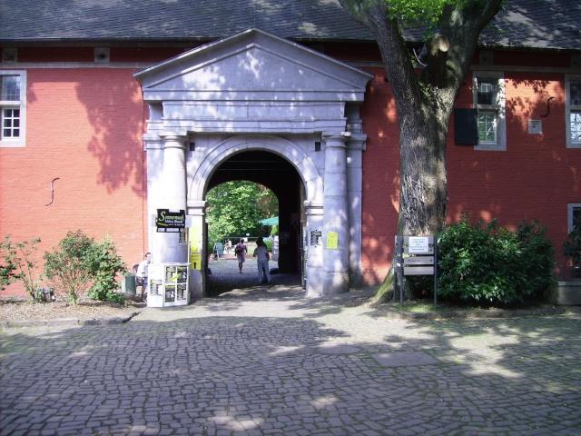 Wasserschloß Rheydt-Toepfermarkt. Sr310