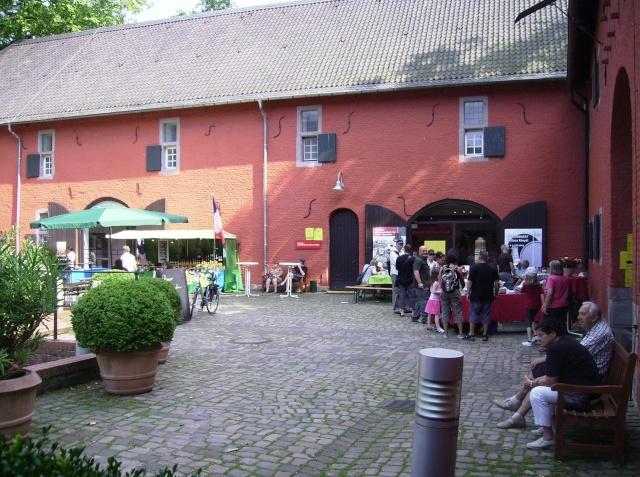 Wasserschloß Rheydt-Toepfermarkt. Sr410