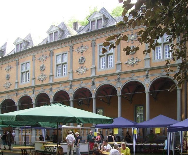 Wasserschloß Rheydt-Toepfermarkt. Sr710