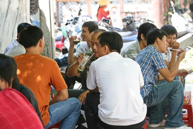 cà phê Trương Định&trường Quốc Học A410