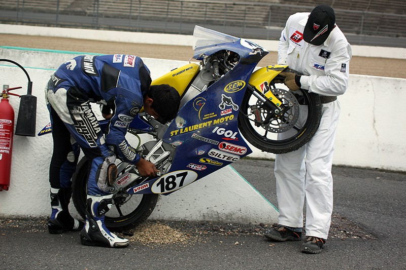 [FSBK] Magny Cours 2009 - Page 2 2810