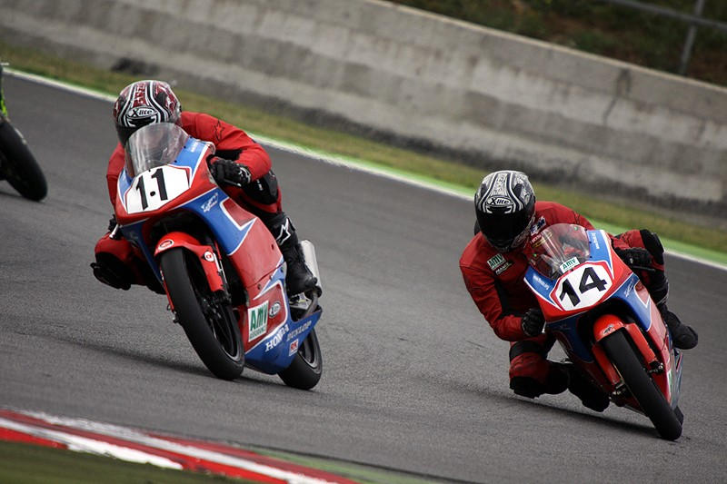 [FSBK] Magny Cours 2009 - Page 2 3410