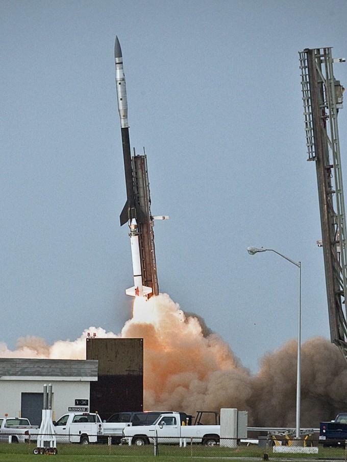 Vaisseau spatial gonflable / Lancement IRVE le 17 août 2009 Irve11
