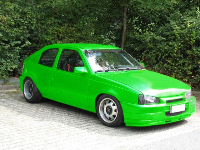 Welche Farbe steht ihm wohl? Opel_k11